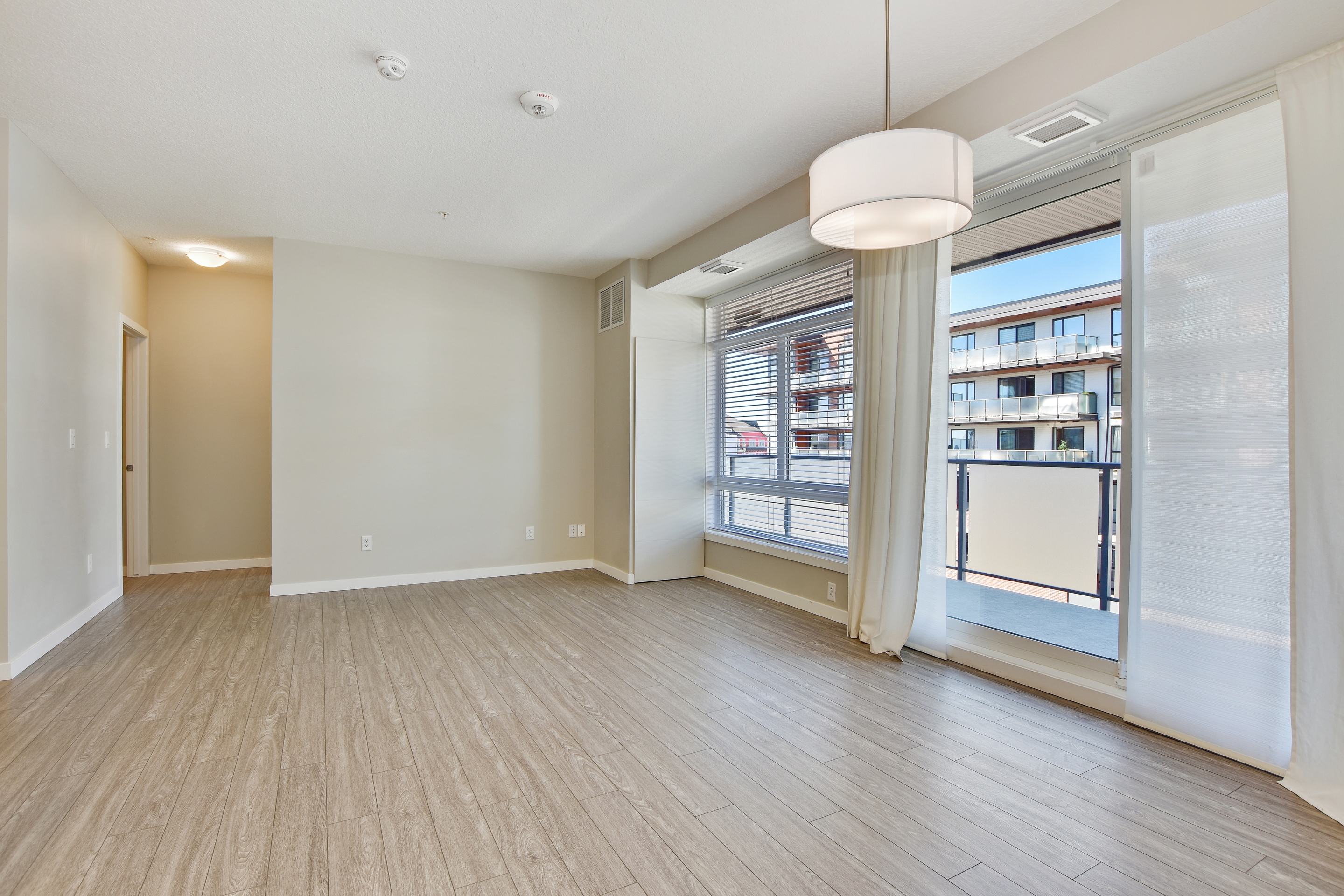 411, 121 Mahogany Center SE, Calgary, Alberta T3M 0T2, 2 Bedrooms Bedrooms, ,2 BathroomsBathrooms,Apartment,For Rent,Lyric,Mahogany Center,411,1068