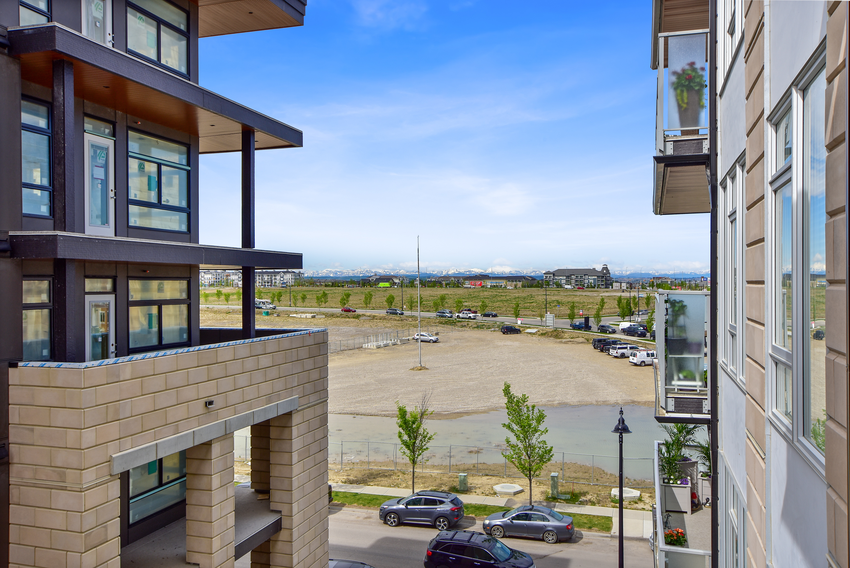 404, 121 Mahogany Center SE, Calgary, Alberta T3M 2X9, 1 Bedroom Bedrooms, ,1 BathroomBathrooms,Apartment,For Rent,Lyric,Mahogany Center SE,404,1069