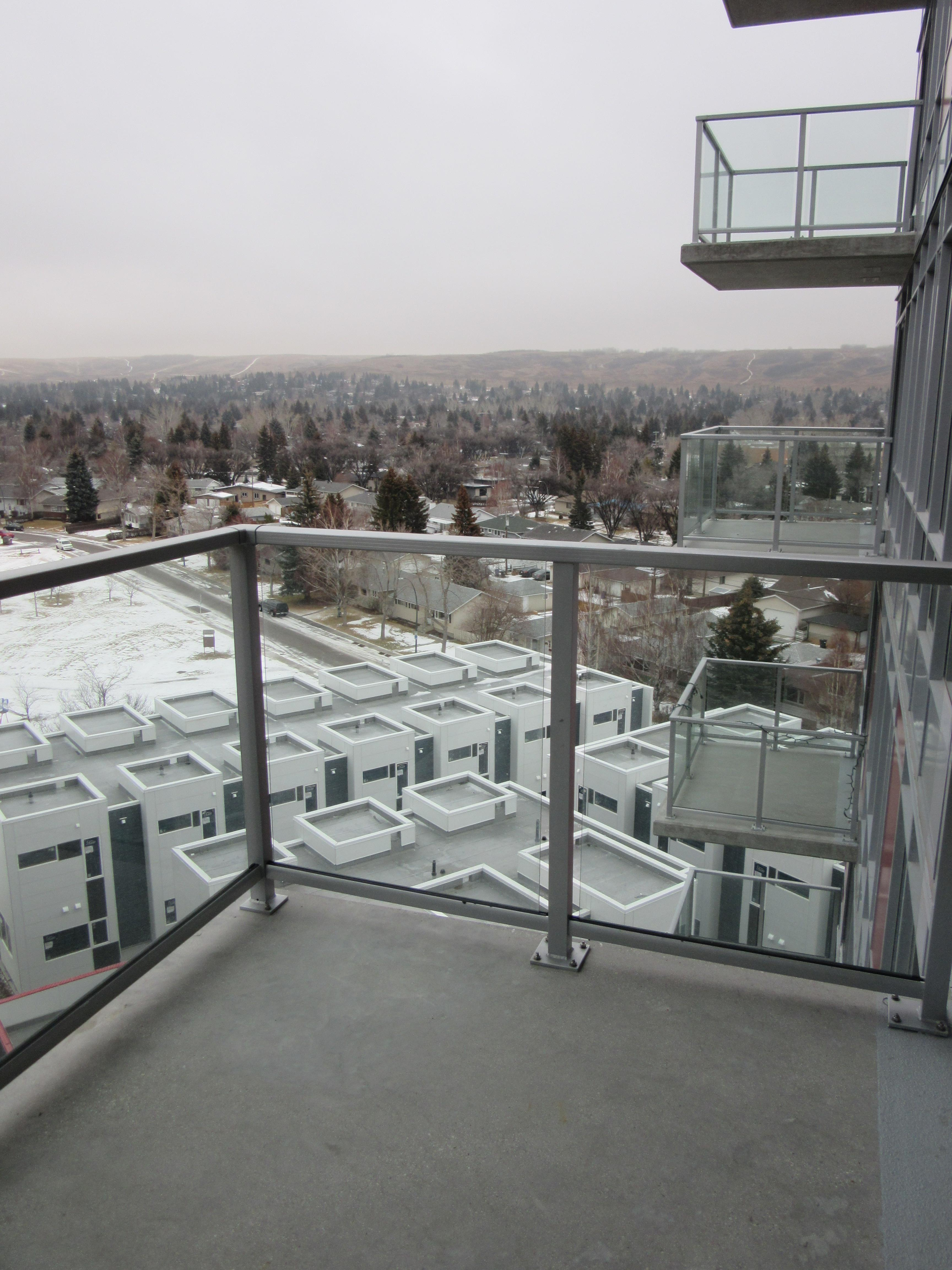911, 10 Brentwood Common NW, Calgary, Alberta T2L 2L6, 2 Bedrooms Bedrooms, ,1 BathroomBathrooms,Condo,For Rent,Brentwood Common NW,911,1117