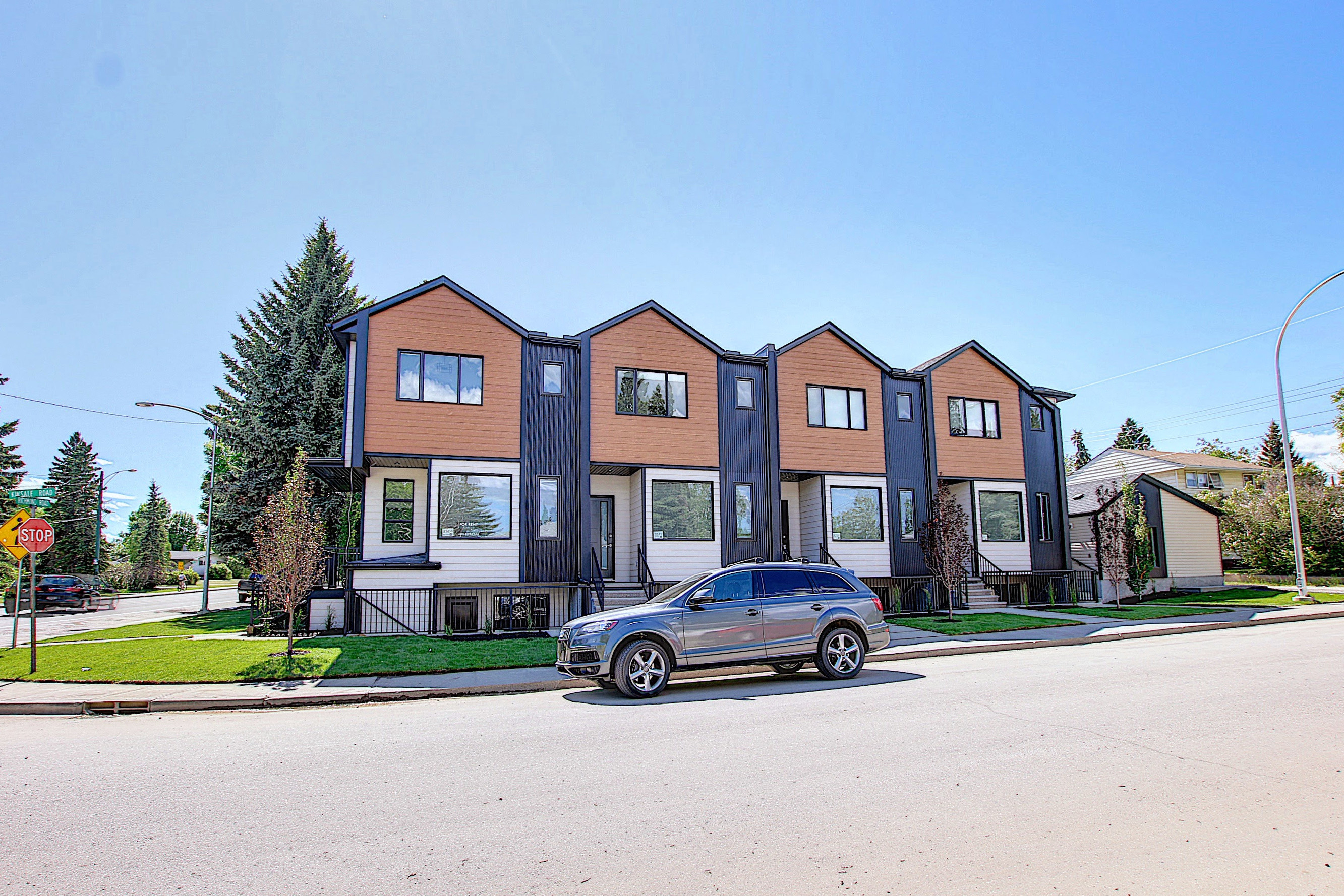 3241 Kinsale Road SW, Calgary, Alberta T3E 4S1, 2 Bedrooms Bedrooms, ,2 BathroomsBathrooms,Townhouse,For Rent,Kinsale Road SW,1125