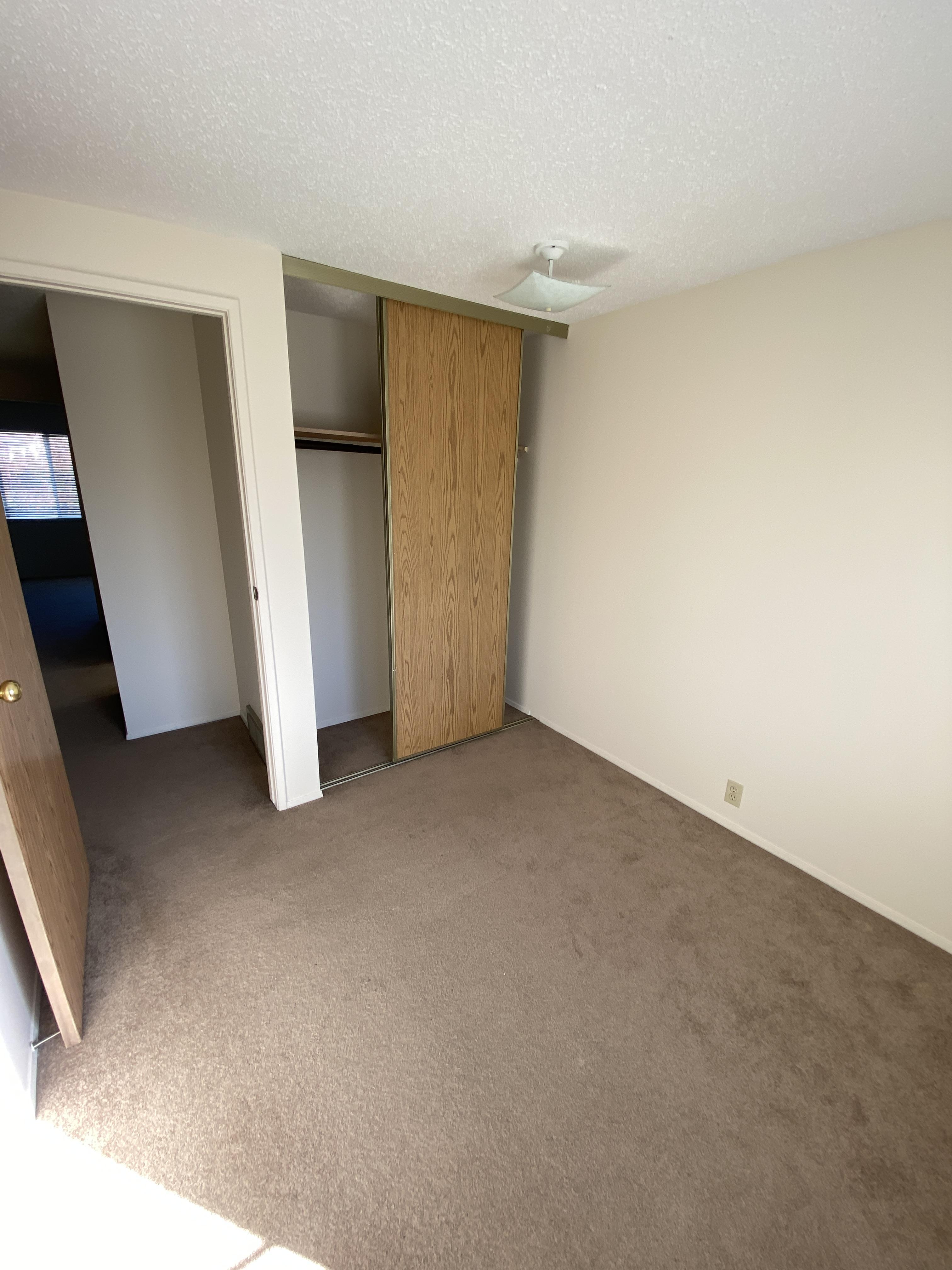Castlebrook 69 Way NE, Calgary, Alberta T3J 2A7, 3 Bedrooms Bedrooms, ,1 BathroomBathrooms,Townhouse,For Rent,69,1026